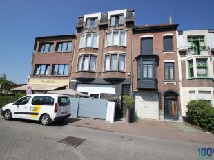 Ideale opbrengsteigendom met 4 appartementen met elk 1 slaapkamer en een studio te koop met een mogelijke huuropbrengst van 2.400 euro/maand! Alle nut