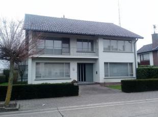 Te koop: Prachtig landhuis in het centrum van Hamont.<br /> Pastoor Lemmenstraat 29<br /> <br /> Indeling:<br /> kelder<br /> gelijkvloers : inkomhal,