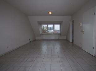 Ruim duplex appartement met 2 slaapkamers en 2 badkamers gelegen in Residentie Berenhof.<br /> <br /> HUURPRIJS : 650 eur/maand<br /> SERVICEKOST : 70