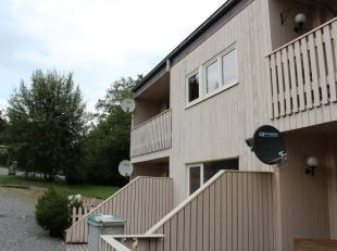 Rustig gelegen gelijkvloers appartement. Aan het golfterrein tussen Barvaux en Durbuy. Ardennen Op circa 3 km van het centrum. (winkels, school, openb