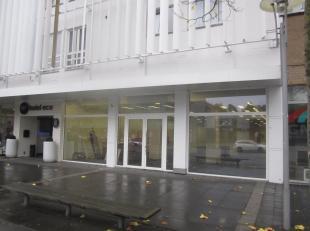 Bedrijfsvastgoed te huur                     in 3600 Genk