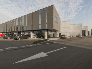 Nieuwe bedrijfshal van 735m² gelegen in een recent KMO-complex, vlak aan de Grote Ring van Hasselt, aan de verbindingsweg Hasselt-Maastricht. Vlo