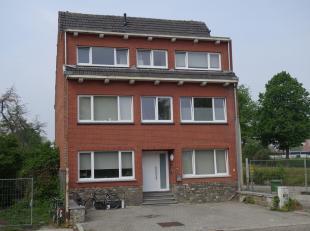 Investeringseigendom, bestaande uit 6 studio's. Gelegen aan de drukste invalsweg van Hasselt (N74), aan de buitenzijde van de Grote Ring. Het gebouw i