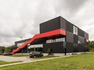 Uitzonderlijke kantoren (+/- 155m²) gelegen op de 1ste verdieping, in een heel mooi en opvallend gebouw gelegen op de terreinen van C-Mine, niet