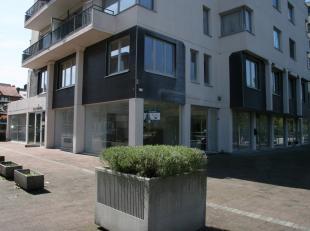HANDELSPAND CENTRUM GENK<br /> <br /> Ruim handelspand gelegen op de Dieplaan in het Centrum van Genk. <br /> Ideale locatie voor een kantoorruimte of