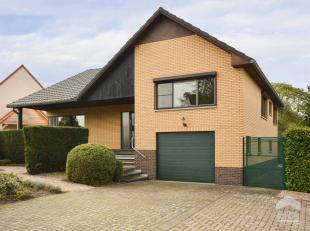 In het hartje van Sint-Lambrechts-Herk (Hasselt) vinden we een split-level woning op een perceel van 6a 85ca. Deze ruime woning heeft een bewoonbare o