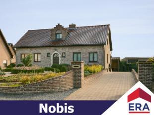 Ruime, goed onderhouden gezinswoning met 4 slaapkamers en een zonnige tuin op een perceel van 15are 45ca in een groene omgeving te Rummen. Deze ruime