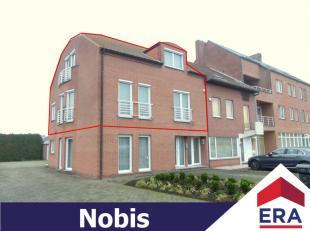 Zeer ruim duplex-appartement met 3 slaapkamers en autostaanplaats in het centrum van Zonhoven. Dit appartement heeft een bewoonb. oppervlakte van 138
