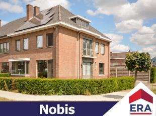 De woning is gelegen in een kindvriendelijke omgeving op enkele minuten van Hasselt en Zonhoven en dit op een perceel van 4a 27ca.De bewoonbare opperv