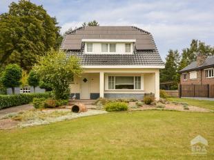 Deze charmante woning is gelegen in een groene omgeving op een perceel van 33a 29ca.De woning heeft een bewoonbare oppervlakte van 184m² en werd