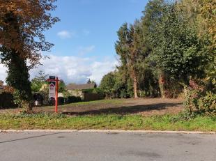 Residentieel gelegen bouwgrond van 7are 58ca voor open bebouwing op een goede locatie te Kuringen (Hasselt).Stedenbouwkundige voorschriften:Hoofdbeste