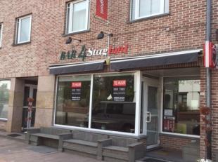 Zeer mooie brasserie over te nemen in de Vennestraat te Genk. Deze zaak wordt volledig instap klaar overgeven, Men kan de zaak meteen laten renderen.