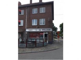 Goed gelegen café op de Hoevezavellaan te Genk Indeling: Gelijkvloers: café - toiletten - mogelijkheid plaatsing keuken 1e en 2e verdiep