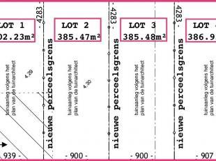 Gelegen aan de Kleine Hulst kan u deze 4 bouwgronden terugvinden.<br /> Voor deze gronden werd er reeds een vergunning afgeleverd voor het bouwen van