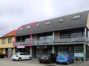 Stijlvol ingericht duplex-appartement gelegen in een gezellig gebouwencomplex met alle faciliteiten in de directe omgeving. Zo bevinden winkels, openb