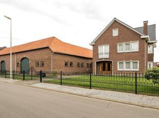 Waanzinnig mooi vastgoedaanbod in open bebouwing gelegen op de Heirbaan 56 te Lanaken. <br /> Deze woning in tijdloze architectuur, gebouwd jaren '60
