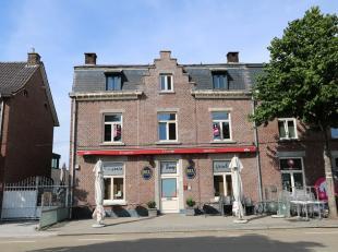 Dit ruime duplex-appartement is gelegen in het centrum van Maasmechelen aan de Dokter Haubenlaan. <br /> <br /> BESCHIKBAAR VANAF 1 FEBRUARI 2020!<br