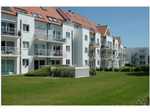 Nieuwbouwappartement in villa-architectuur op een steenworp van de Zeedijk in Blankenberge. Net geschilderde appartementen met private binnentuin, waa