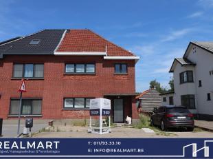 Verder af te werken / te renoveren woning te Kuringen (Tuilt).<br /> <br /> Deze halfopen woning is gelegen in het centrum van Tuilt op een perceel va