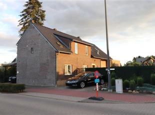 Zeer ruime woning met 4 slaapkamers, een buitenzwembad en sauna. <br /> <br /> Deze woning is gelegen nabij het Nationaal Park Hoge Kempen -een uniek