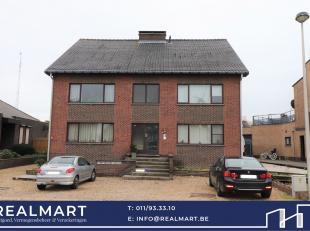 Ruim dakappartement met 2 slaapkamers te Munsterbilzen.<br /> <br /> Het appartement is gelegen op de 2de verdieping, heeft een bewoonbare oppervlakte
