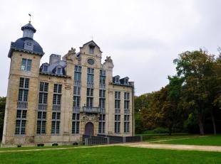 Het onlangs gerestaureerde barok kasteel Beaulieu stamt uit het derde kwartaal van de 17e eeuw. Ontworpen door Lucas Fayd'herbe als buitenhuis voor de