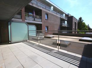 Recent, instapklaar appartement (2012) - 150m2 bewoonbare oppervlakte - 3 slaapkamers + groot terras - ondergrondse afsluitbare garage en kelderbergin