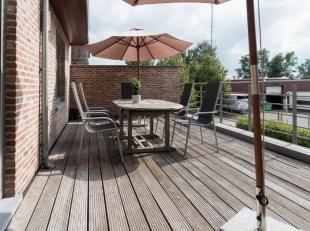 Heel mooi en gezellig appartement (75 m2) in het centrum van Heusden. Winkels, bakker, restaurants, dokter, sporthal, ... op wandelafstand.Het apparte