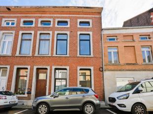 Deze woning is slim VERKOCHT rechtstreeks door de eigenaar.  9.292 bespaard aan commissie!<br /> Welkom in Tienen waar deze prachtige rijwoning te vin
