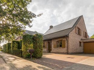 Welkom in deze ruime gezinswoning te Essen. De eigenaars hebben kosten noch moeite gespaard om van deze woning een gezellig en modern geheel te maken.