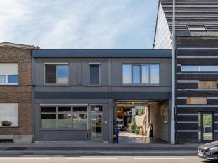 Unieke kans om 4 appartementen en een werkatelier tegelijk aan te kopen op een top locatie vlakbij Antwerpen, Brussel en Mechelen. Het pand is ideaal