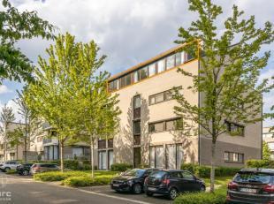 Voor uitgebreide info, surf naar www.SWEVERS.be! - In het centrum van Beringen vind je deze schitterende penthouse terug. Troef van deze woonst? Fenom