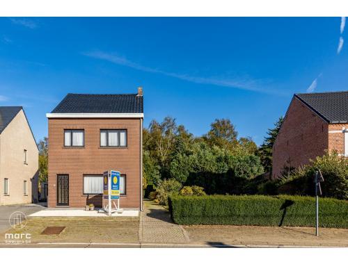 Maison à vendre à Oostham, € 239.000