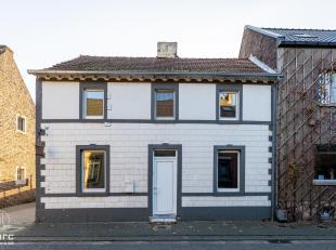 Voor uitgebreide info, surf naar www.SWEVERS.be! - In de Maasstraat in Dilsen-Stokkem vinden we deze knusse, compacte woning terug. Dankzij de gezelli
