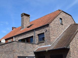 Mooi duplex-appartement te koop<br /> <br /> Overzicht:<br /> bouwjaar: 1986<br /> renovatiejaar: 1996 + 2016<br /> woonoppervlakte: +- 145 m²<br