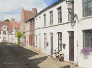 Stadswoning met tuin in hartje Brugge.<br /> STARTPRIJS: Elk bod boven deze startprijs, wordt voorgelegd aan eigenaars, die al dan niet kunnen ingaan