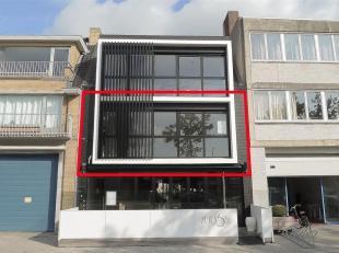 Nieuwbouwappartement (2 SK) te Sint-Pieters Brugge.<br /> Dit nieuwbouwappartement van 74 m²is gelegen te Sint-Pieters Brugge. Winkels, horeca en