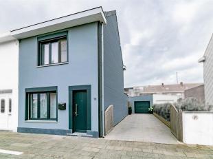 Instapklare HOB met 2 slaapkamers en garage.<br /> Deze recent gerenoveerde woning bevindt zich in Zeebrugge dorp, vlakbij scholen, winkels en openbaa
