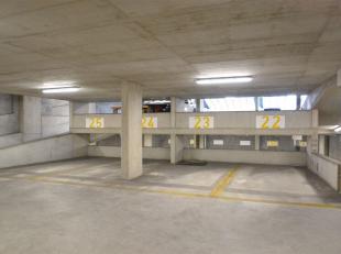 Iedereen die regelmatig naar centrum Lier komt gereden weet dat parkeren een opgave is! <br /> Wij bieden 8 autostaanplaatsen aan in een zeer degelijk