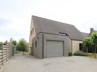 Wil jij In deze mooie open bebouwing nabij het centrum van Vorselaar wonen?<br /> De prachtige ruime woonkamer heeft veel natuurlijk lichtinval door d