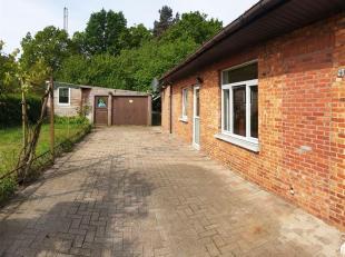 Woonhuis HOB, centraal gelegen bij scholen, ziekenhuis, openbaar vervoer en op wandelafstand naar het centrum van Heusden-cité.<br /> Indeling: