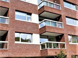 Prachtig nieuwbouw appartement, rustig gelegen aan de rand van het centrum, vlakbij winkels, Shopping 1, openbaar vervoer, enz.<br /> Het appartement