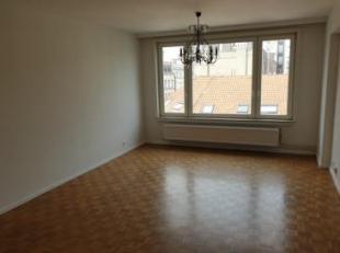 A proximité de la Place Stéphanie, au 5ème étage d'une résidence de bon standing, confortable appartement de +/- 65