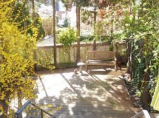 IXELLES, non loin du Châtelain, à proximité de la Place Albert Leemans, JOLIE MAISON DE MAITRE avec jardin, rénovée,