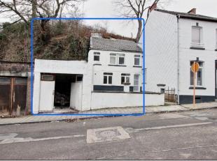J'ai le plaisir de vous proposer cette charmante petite maison d'époque, entièrement rénovée: isolation sols et murs, plaf