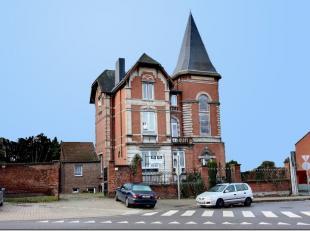 Pour les adeptes d'authenticité et de caractère: venez découvrir cette splendide maison bourgeoise datant de 1850 proposant actue