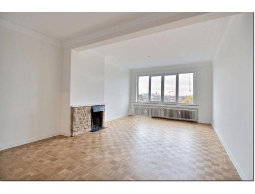 Appartement te koop in Brussel, € 235.000