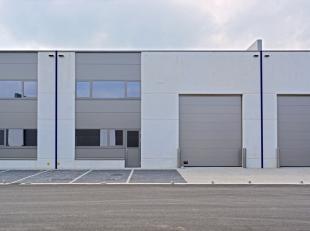 """Laatste KMO-units zijn gelegen op de oude Bekaertsite in de industriezone """"Lakeland"""". De units zijn kwalitatief opgetrokken uit beton en staal en idea"""