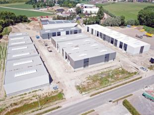 """Deze nieuwe KMO-site omvat 24 units ingedeeld in vier bedrijfsverzamelgebouwen genaamd """"Wielexco"""" op de vroegere Unilin-site. Het KMO-parkheeft een gu"""