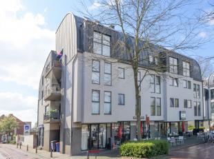 Prachtig appartement met twee slaapkamers en rustig terras op toplocatieVia de trap of de lift bereikt u het appartement op de eerste verdieping waar
